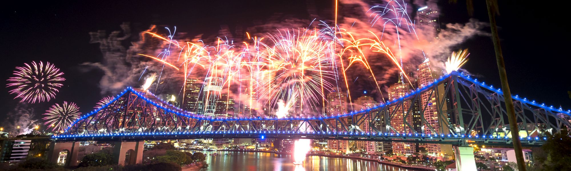 Story-Bridge-Fireworks-CREDIT-Lauren-Bath