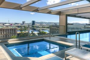 Oaks Casino Towers Brisbane City Hotels Facilities Pool